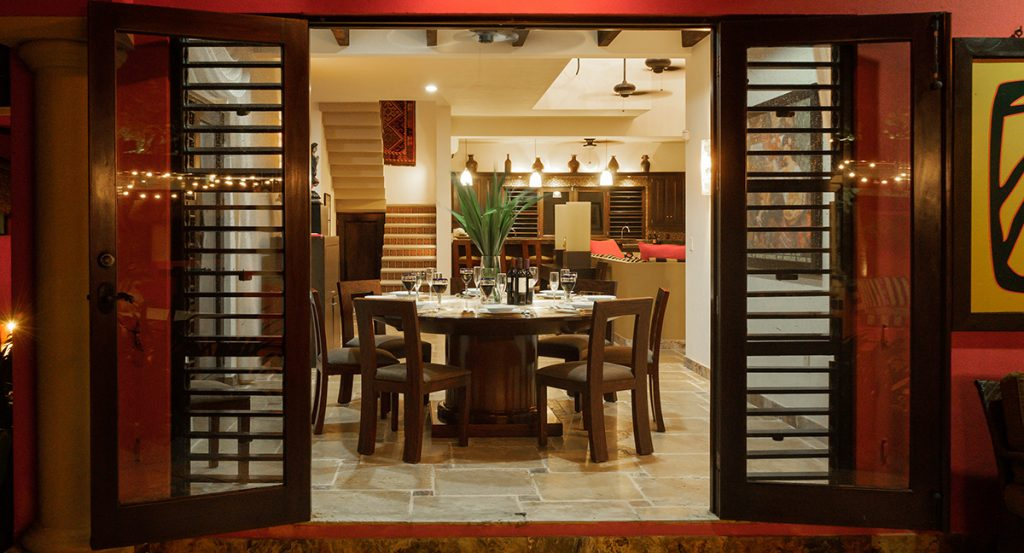 casa_buena_suerte_indoors_dining_room_from_outdoors